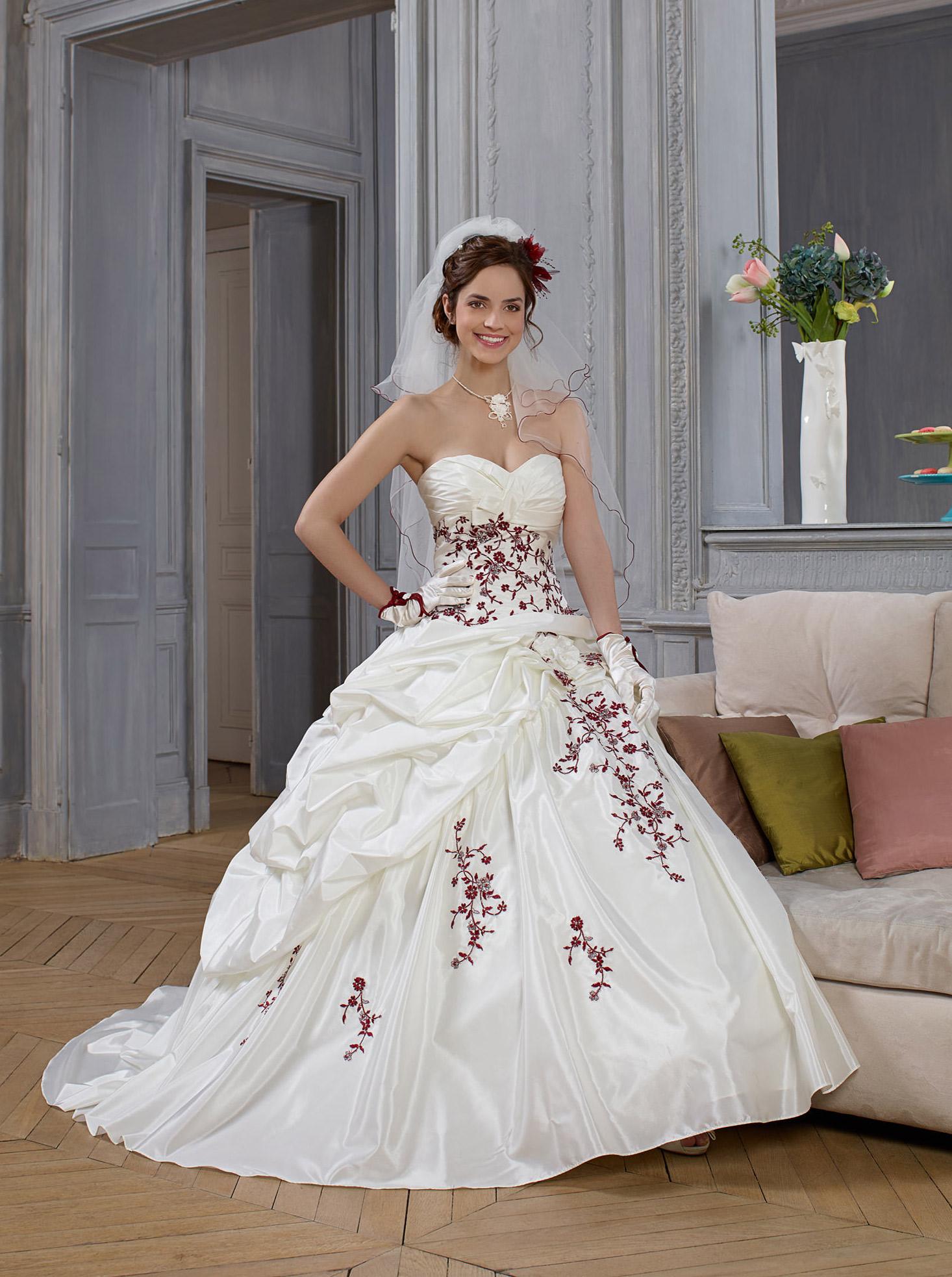 Robe de mari e hellebre point mariage 549 99 for Boutiques de robes de mariage de miami